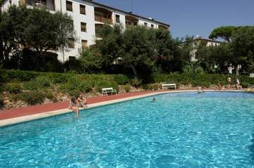 Agence immobiliere appartaments panoramic piscine commune for Piscine 42 php