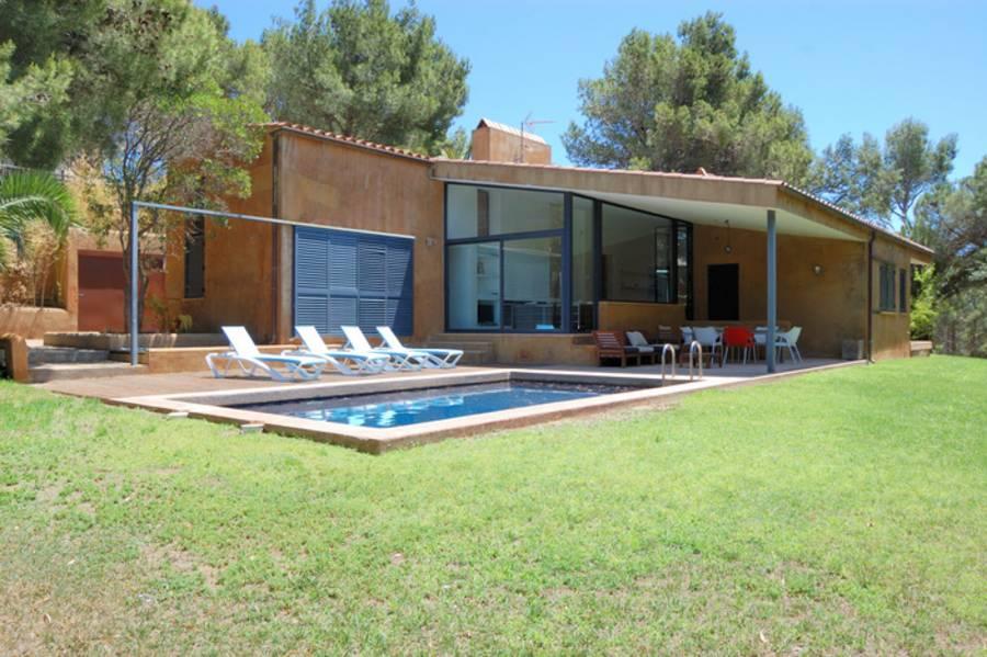 Alquiler casas planta baja tamariu piscina privada ref for Casa de planta baja