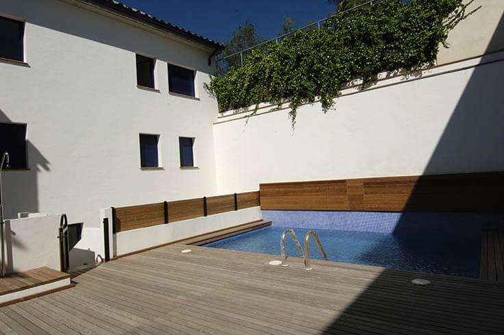 Appartement avec piscine communautaire proche du calella for Construction piscine 972