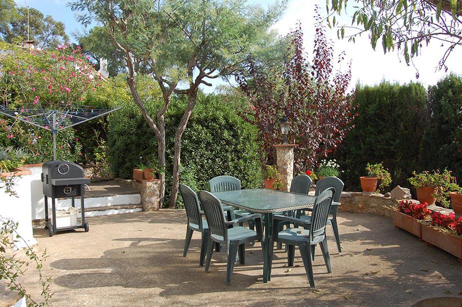 Pittoresque maison individuelle avec jardin et piscine for Jardin pittoresque